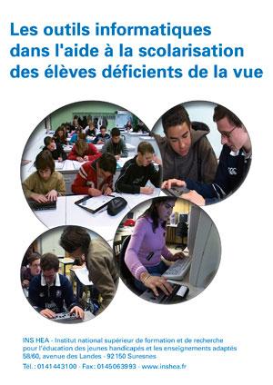 """Jaquette du film """"Les outils informatiques dans la scolarisation des élèves déficients de la vue"""" illustrée par plusieurs photos d'élèves déficients visuels avec du matériel informatique."""